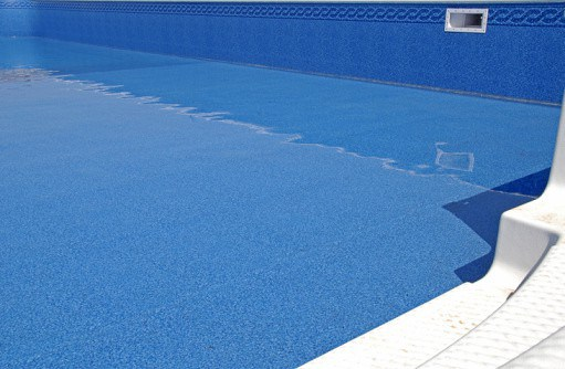 Examining And Replacing Pool Liners