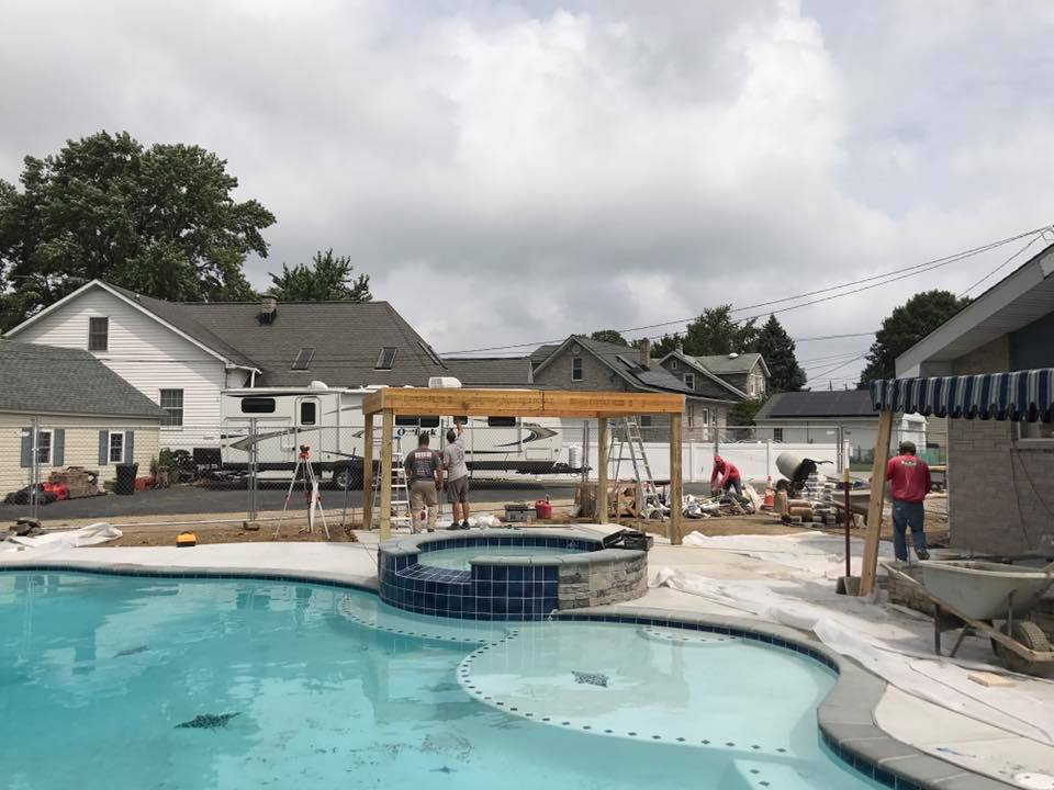 Woodfield Pool Construction With Spa