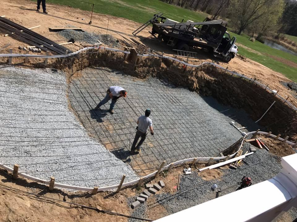 Inground-pool-under-construction-concrete