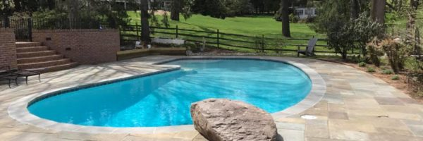 woodfield-pool-landscape-with-stone-slab