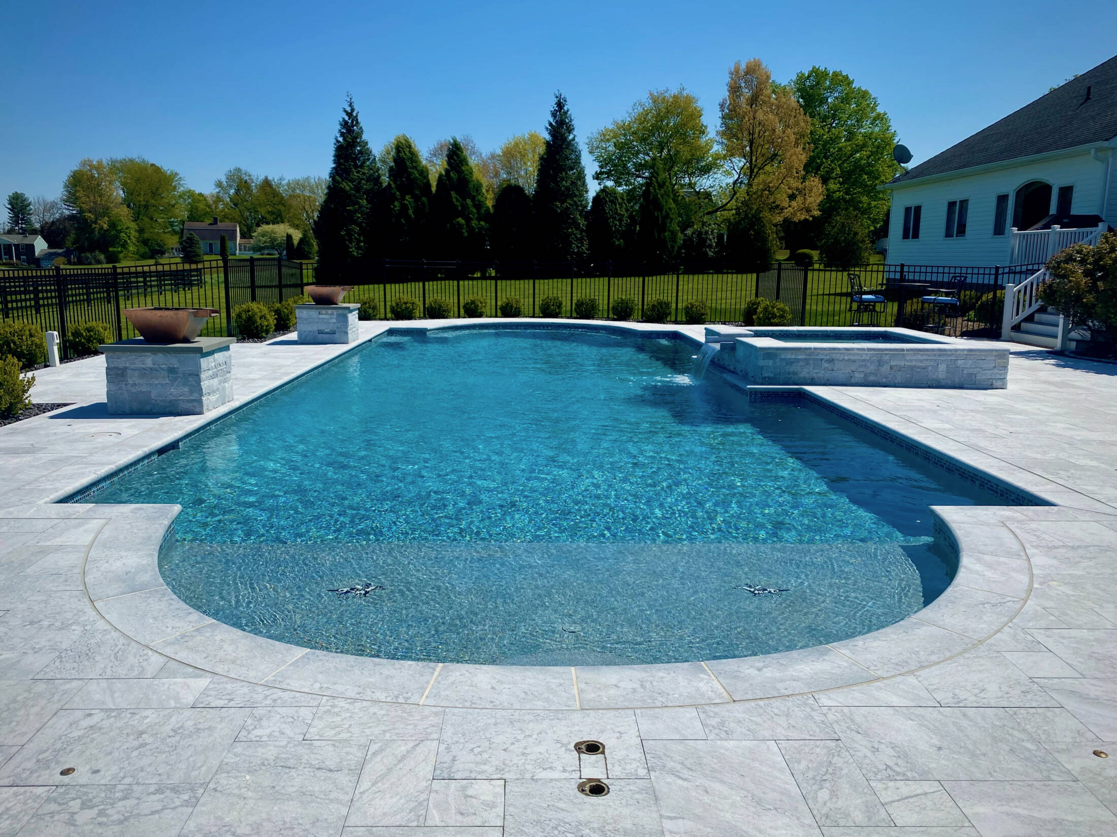 Shapes-and-sizes-pools