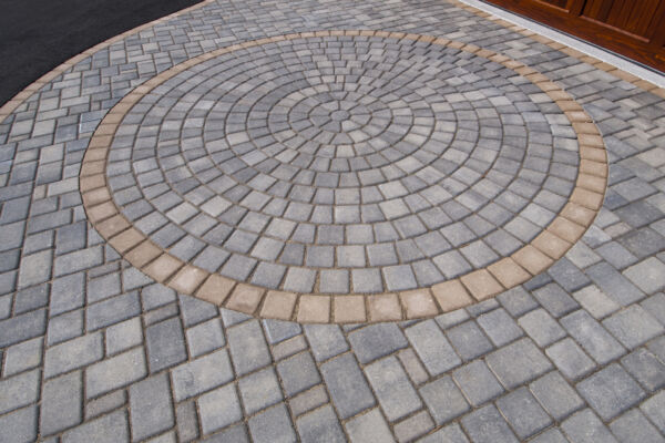Paver Brick in a circular pattern for a driveway